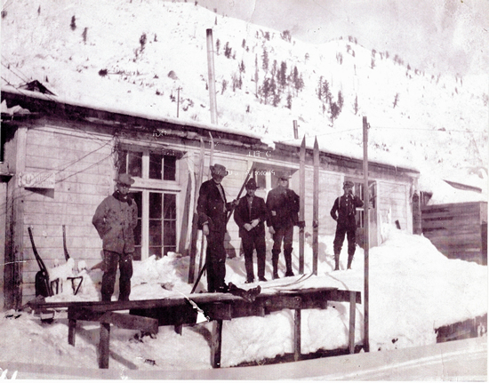 http://www.centralpt.com/customer/image_gallery/303/ImageGallery/Mining/Big/ALTAMINERSGATHERATTHEGENERALSTORE_ALTACIRCAEARLY1900S.JPG