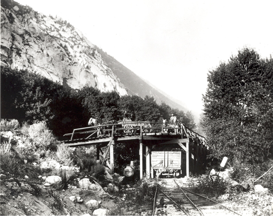 http://www.centralpt.com/customer/image_gallery/303/ImageGallery/Mining/Big/TANNERSFLATRAILTERMINUSCIRCAEARLY1900S.JPG