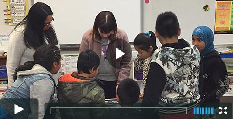 UMFA educator in pARTners classroom
